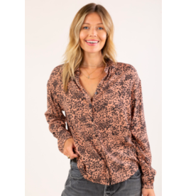 LEOPARD BUTTON UP TOP