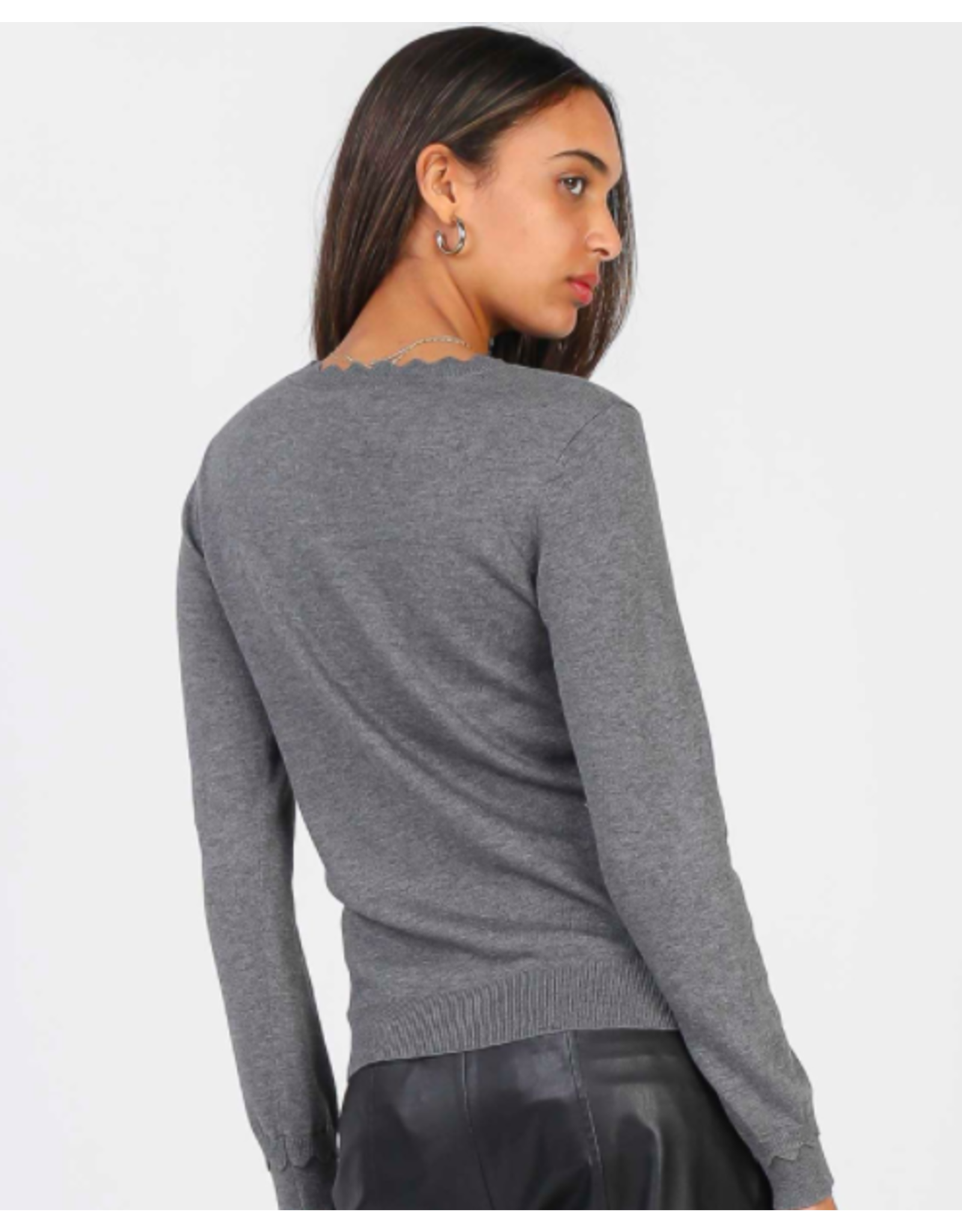 SWEATER WITH SCALLOPED RIB DETAIL