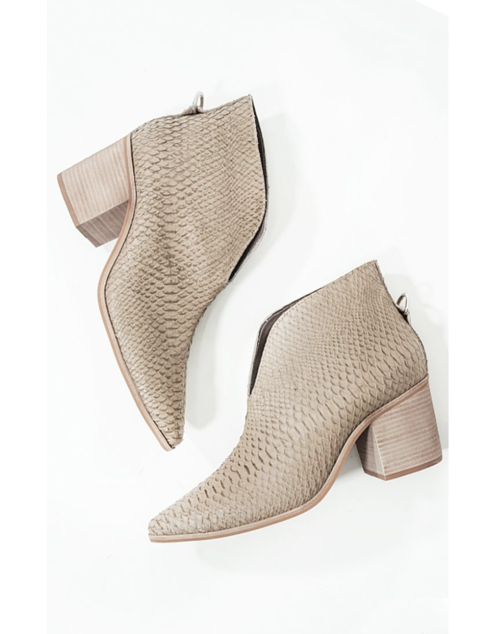 KAANAS V FRONT SNAKE BOOTIES