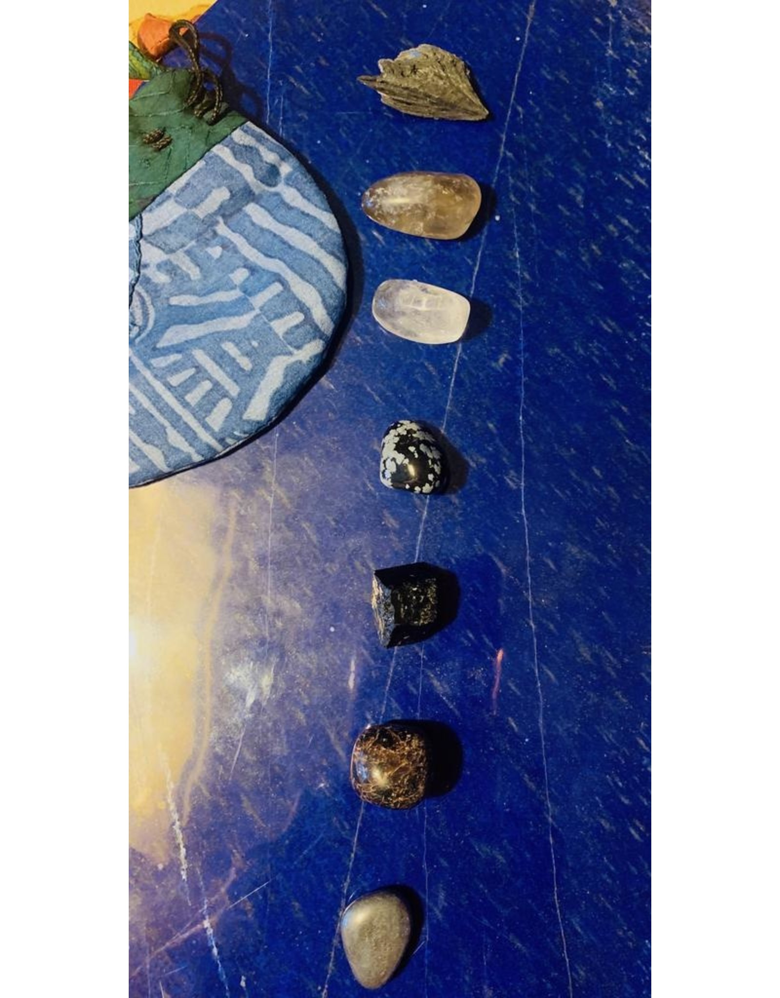 Protection Set w/Pouch Polished and Natural Stones