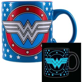 Silver Buffalo Mug - DC Comics - Wonder Woman Glow in the Dark 20oz