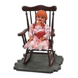 Diamond Toys Figurine - The Conjuring Annabelle - Gallery Diorama 6""