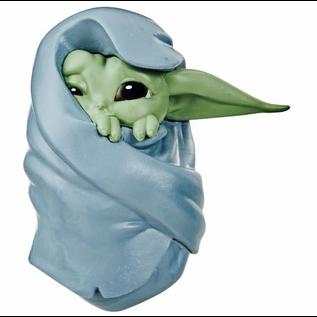 "Hasbro Figurine - Star Wars The Mandalorian - The Child ""Bébé Yoda""  Avec Couverture 2.5"""