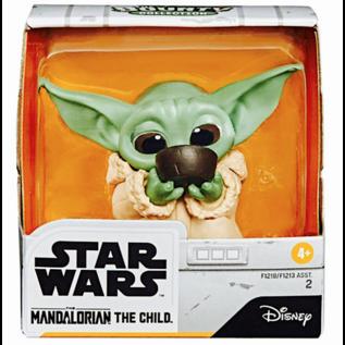 "Hasbro Figurine - Star Wars The Mandalorian - The Child ''Bébé Yoda'' Bol de Bouillon d'Os 2.5"""