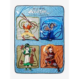 Her Universe Couverture - Avatar The Last Airbender - Aang, Katara, Zuko et Toph Jeté en Peluche