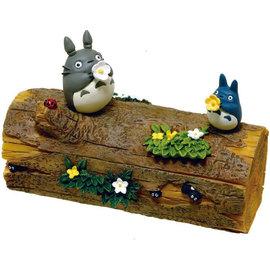 Benelic Figurine - Studio Ghibli Mon Voisin Toroto - Coffret pour Accessoires Totoro et Chu Trompette en Fleur