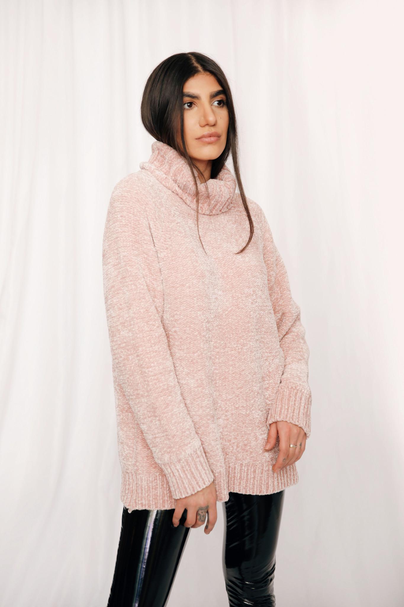 LEXI DREW 4157 Cozy Slit Sweater