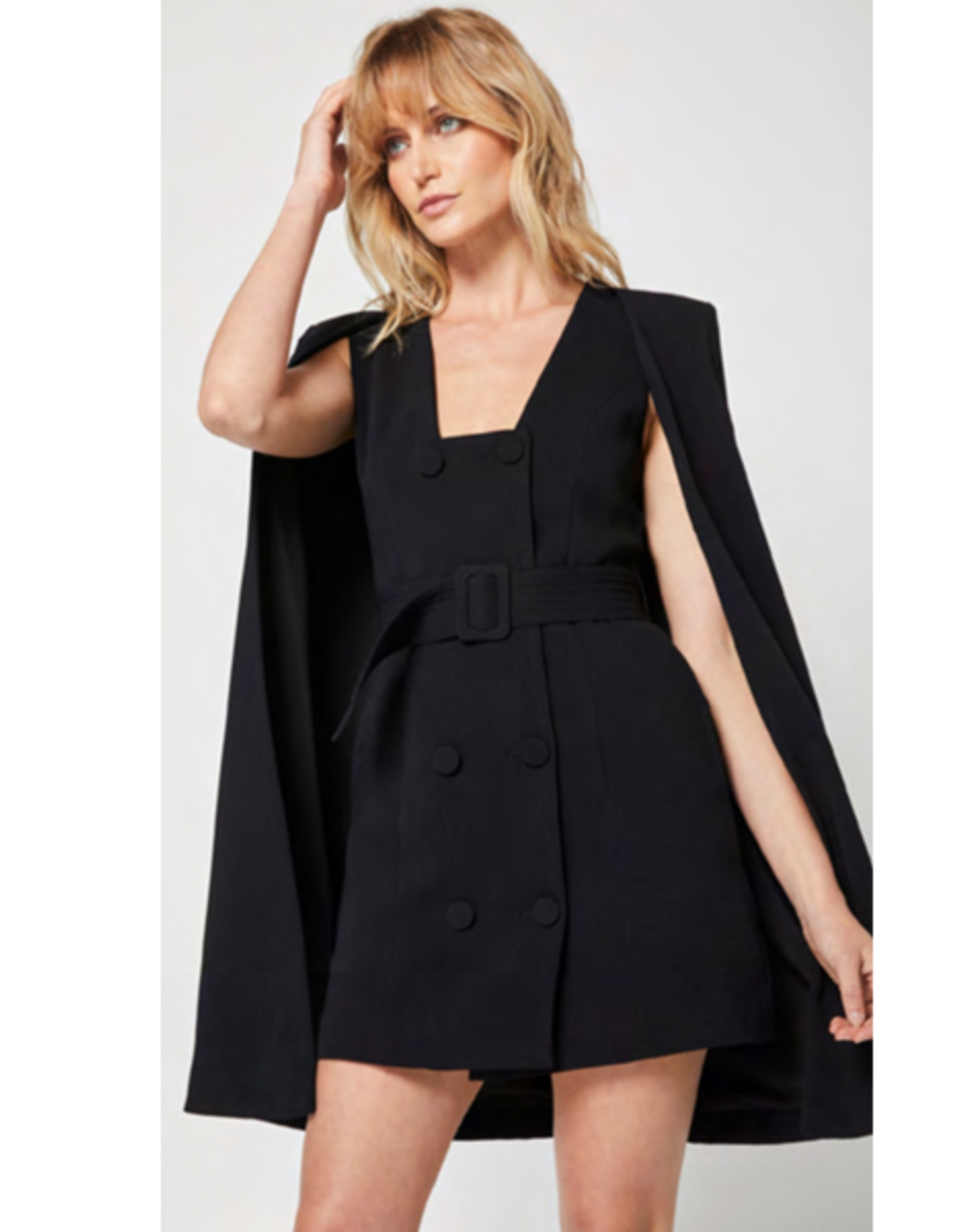 Elliatt Suzanne Suiting Cape in Black