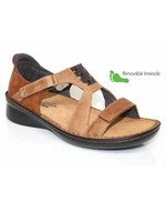 Naot Footwear Figaro in Latte Brown Combo