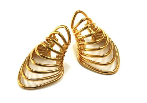 Tawapa Warrior Ear Cuff in Yellow Gold