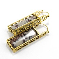 Marquesan Rectangle with Cream Choco Stone in Yellow Gold
