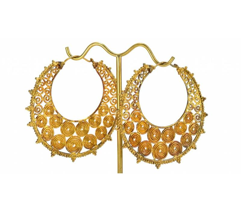 Filigree Hoop in Yellow Gold