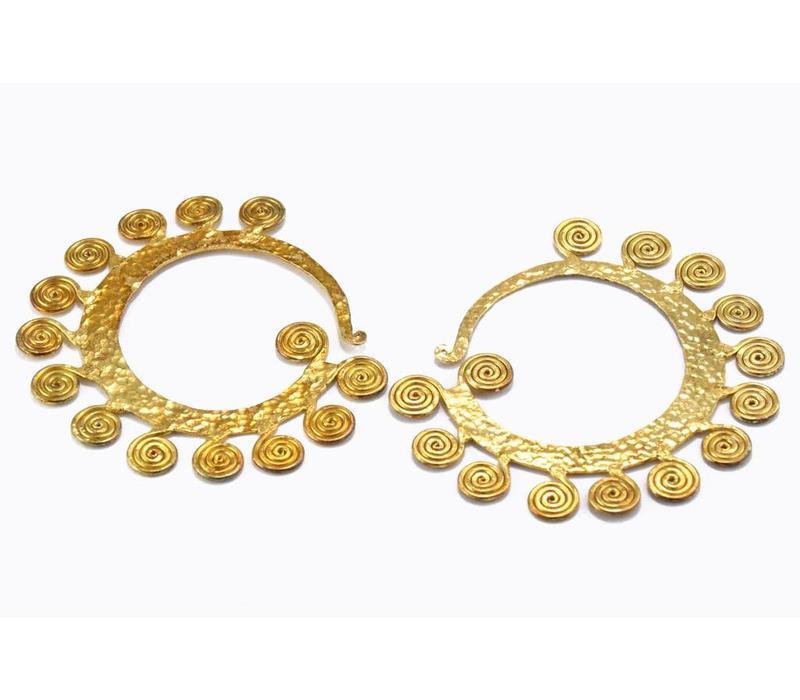 Fancy Lao in Yellow Gold