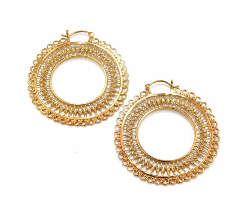 Lace Hoop in Yellow Gold