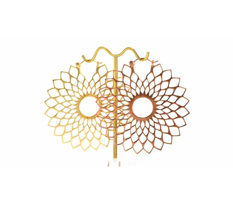 Dahlia in Yellow Gold