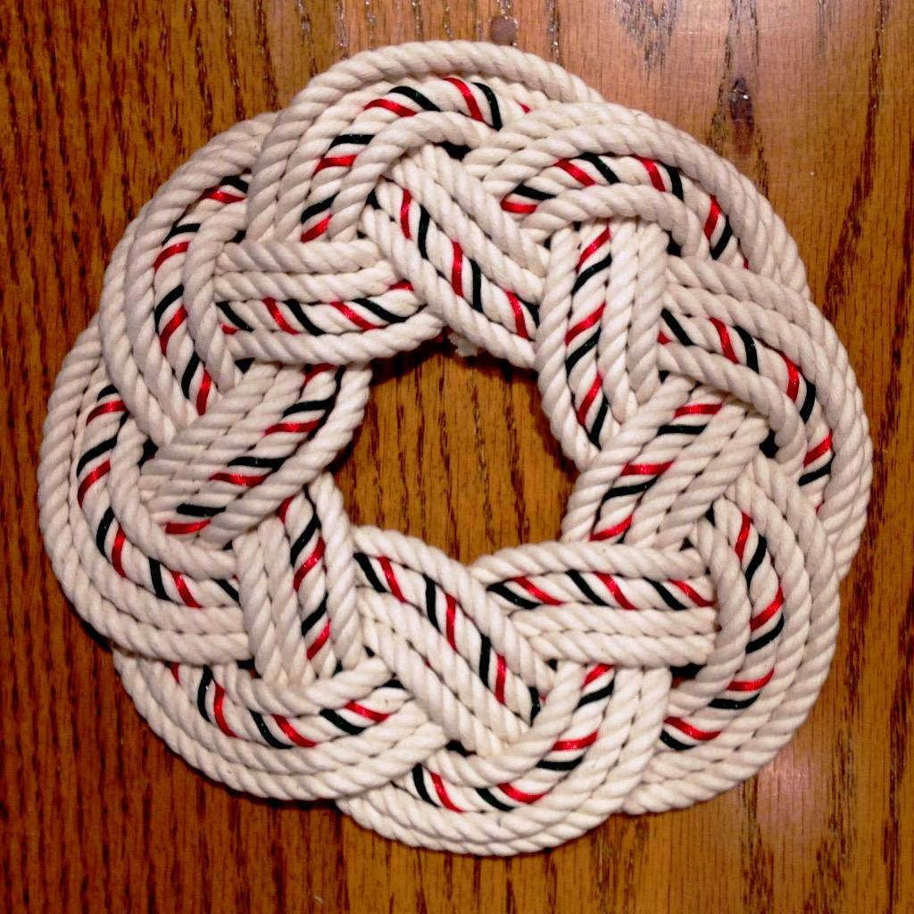 Cotton and Ribbon Centerpiece, Christmas Colors