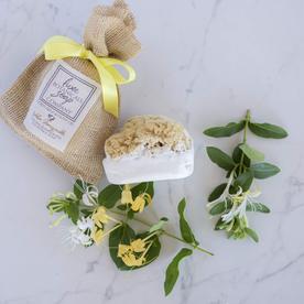 LUX BOTANICALS SOAPS SOAP W/SPONGE GOLDEN HONEY SUCKLE