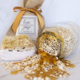 LUX BOTANICALS SOAPS SOAP W/SPONGE SOOTHING OATMEAL & HONEY