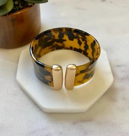 Pretty Simple Tortoise Gold Cuff