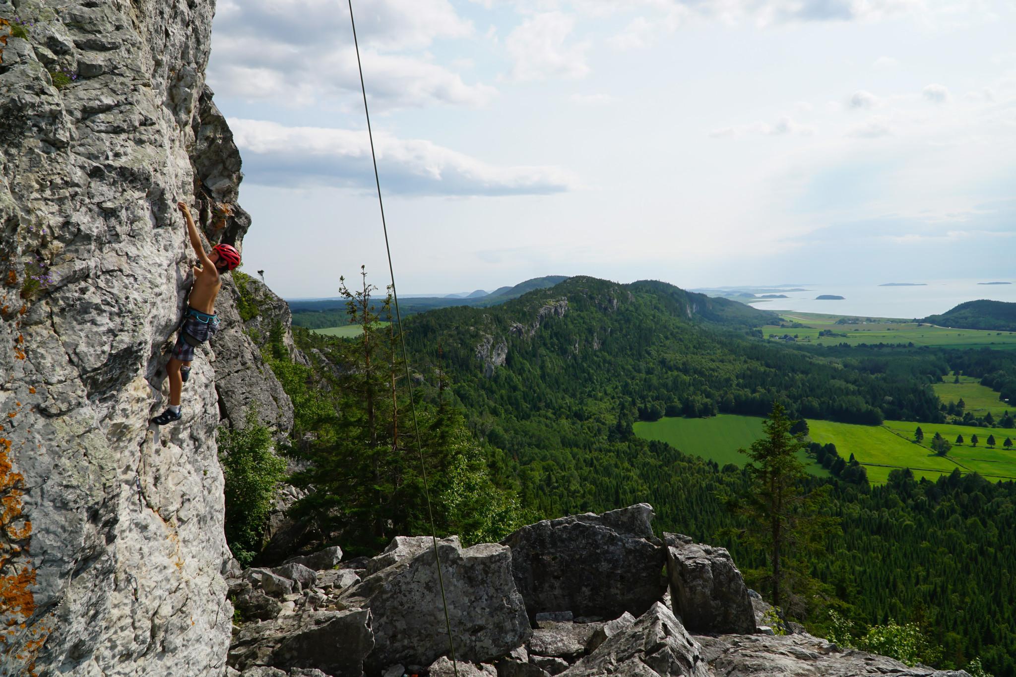 climbing in Kamouraska, Qc