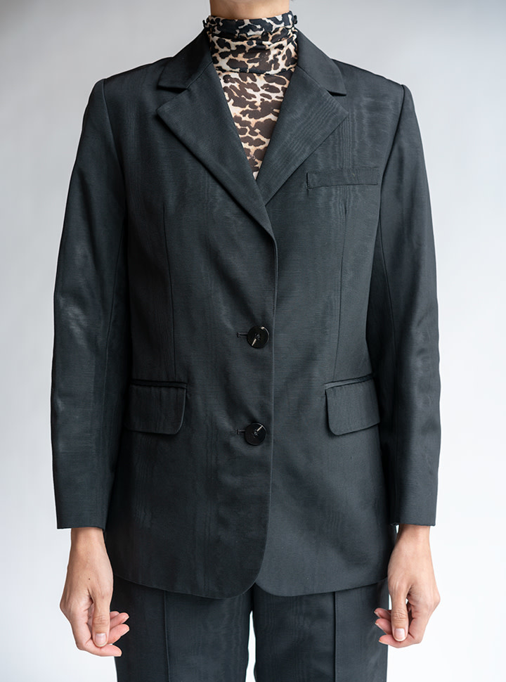 No.6 Leon Blazer in Black Moire