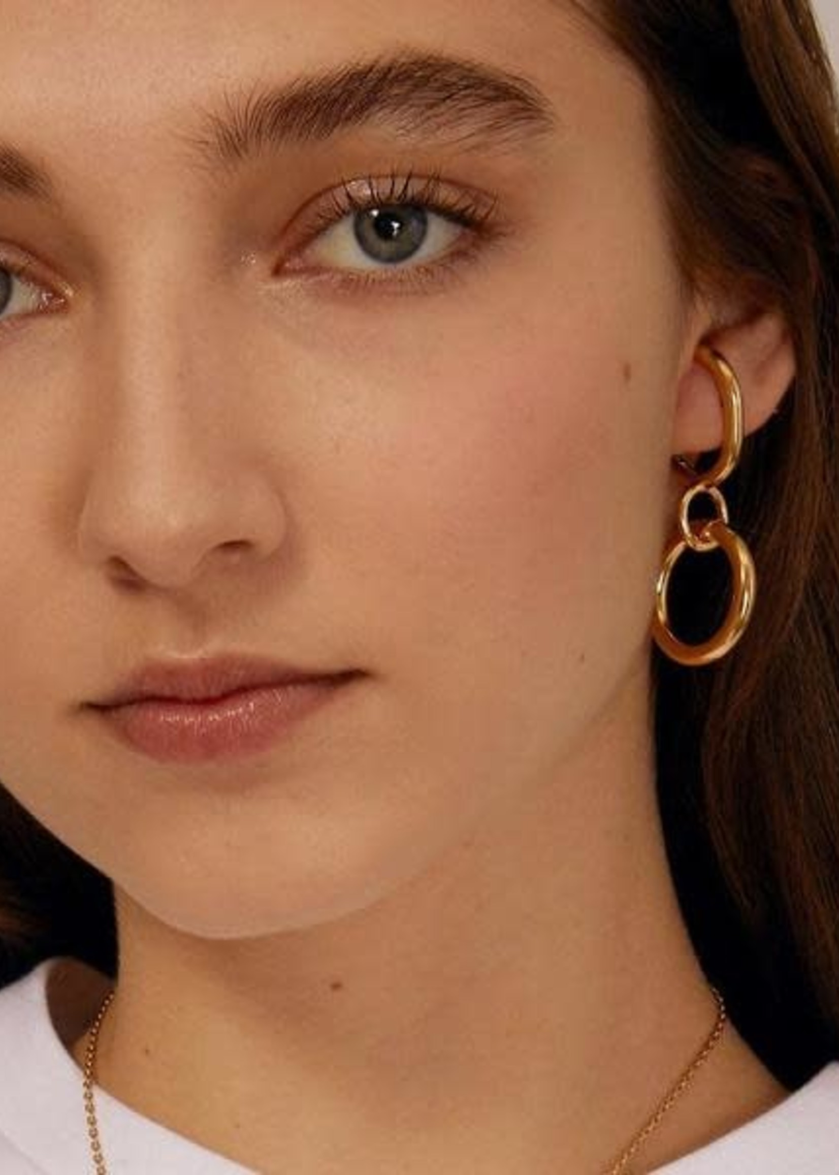Lady Grey Latch Earring in 14K Gold Plated Bronze