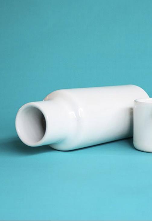 Lagos Del Mundo Matte White Ceramic Carafe