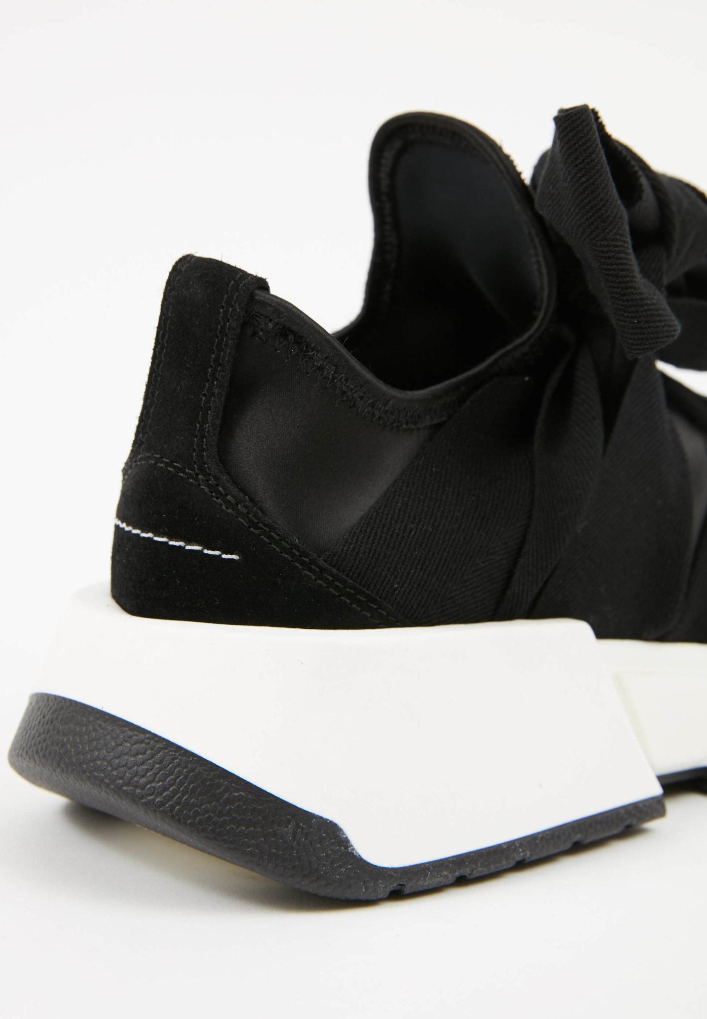 MM6 MAISON MARGIELA Ribbon Sneaker in Black