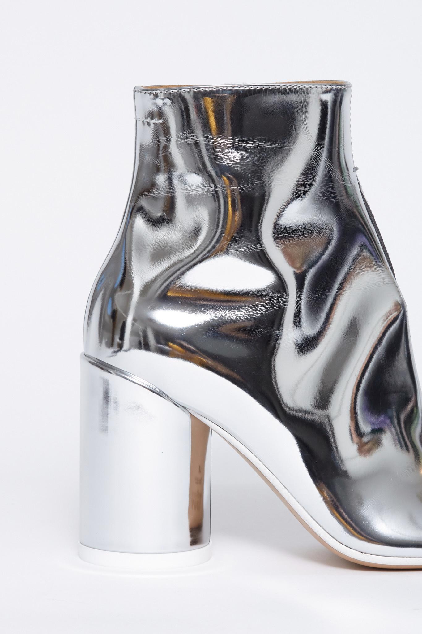 MM6 MAISON MARGIELA MM6 MAISON MARGIELA Split front Ankle boot in Mirror Silver