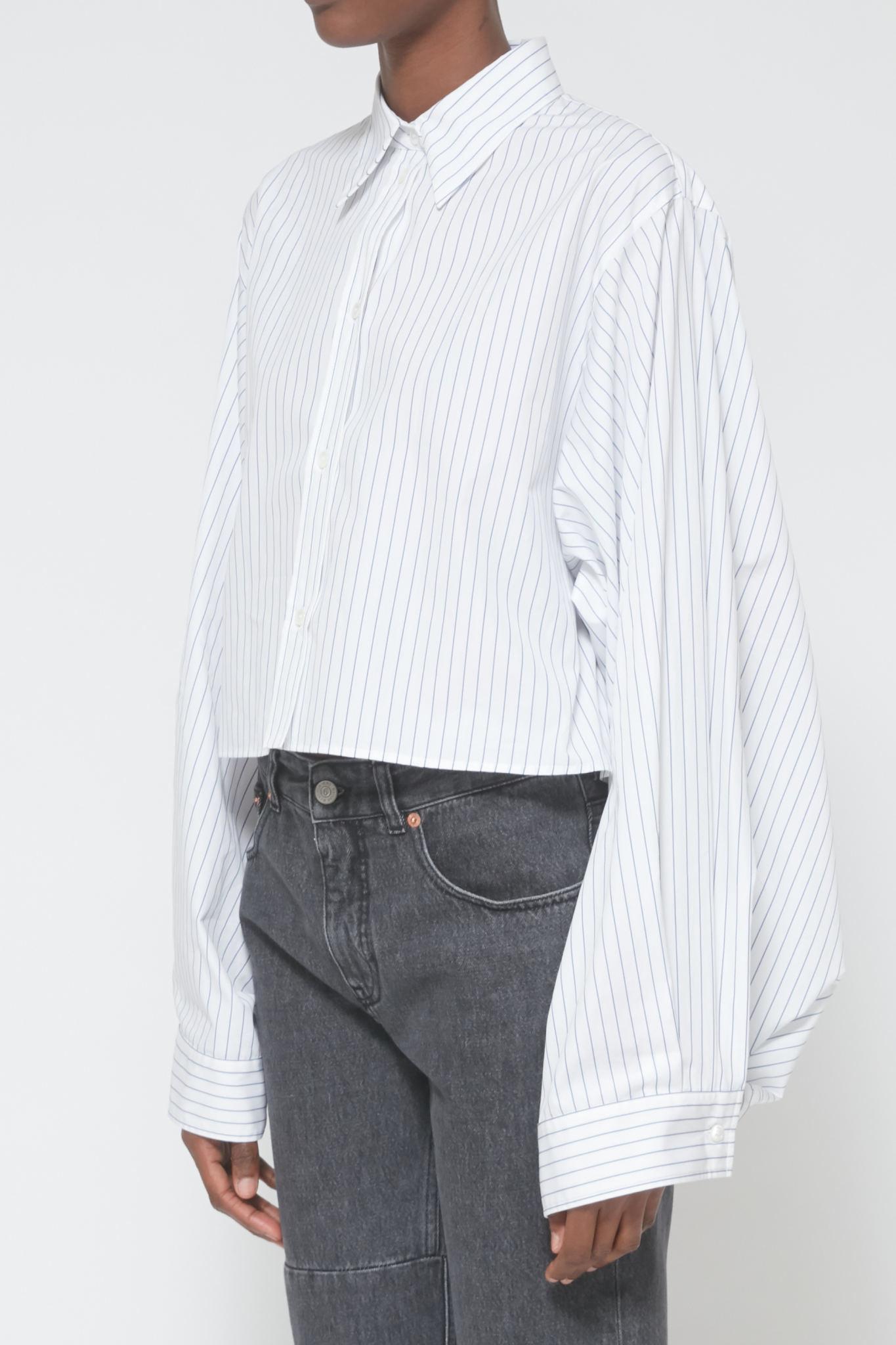 MM6 MAISON MARGIELA Oversized sleeve Cropped Shirt in White/Blue Stripe