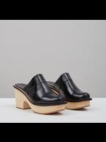 Rachel Comey Rachel Comey Sapo Clog in Black Crinkle Patent