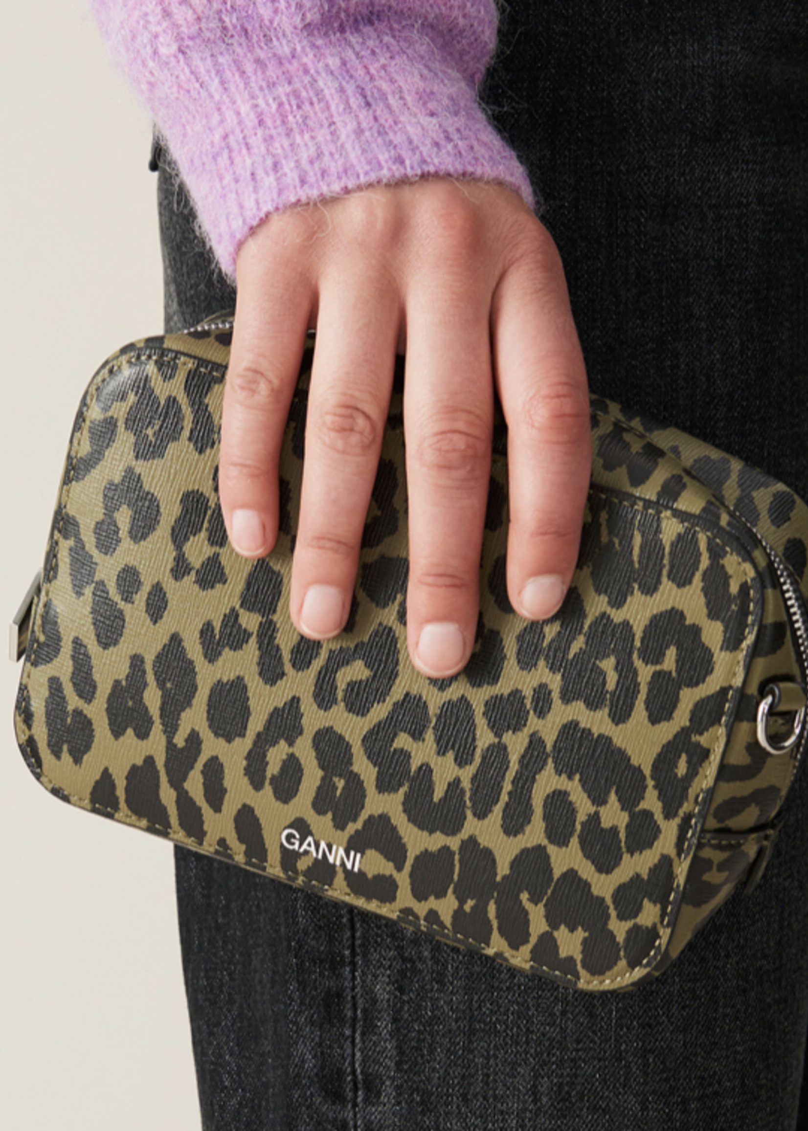 GANNI GANNI Small Recycled Leather bag in Olive Leopard
