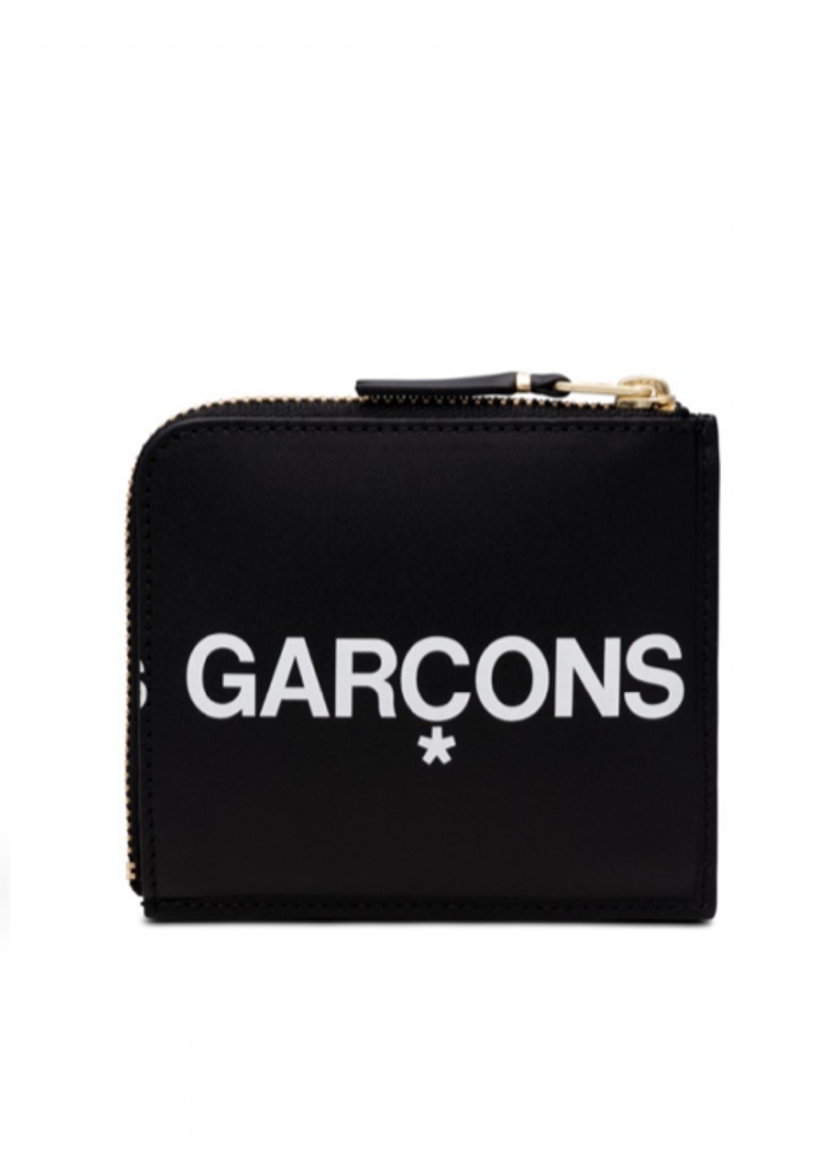 COMME des GARÇONS WALLET 1/2 Zip Huge Logo Wallet in Black