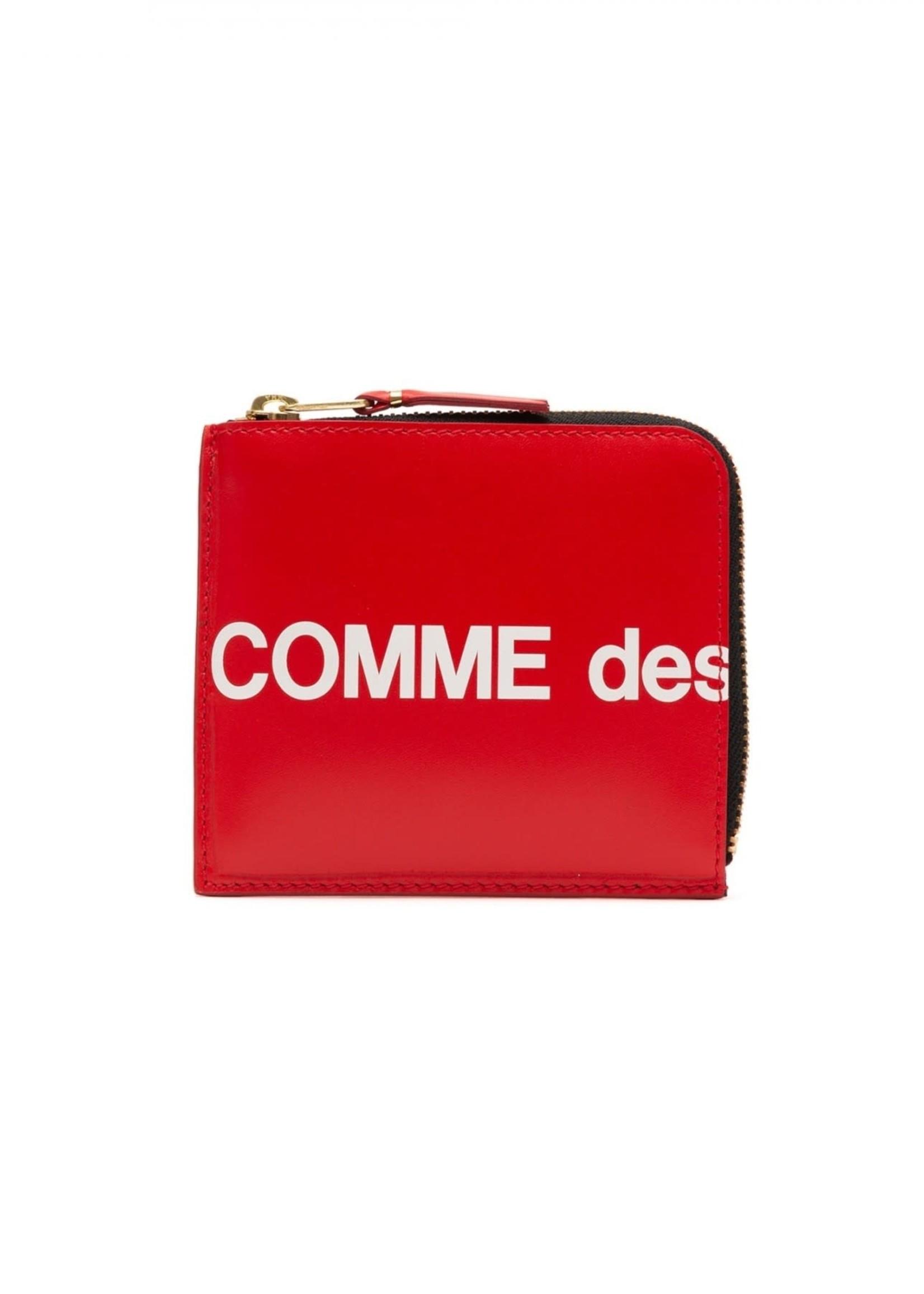 COMME des GARÇONS WALLET 1/2 Zip Huge Logo Wallet in Red