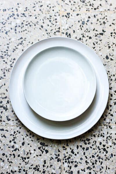 Lagos Del Mundo Set of 4 Large White Glazed Plates