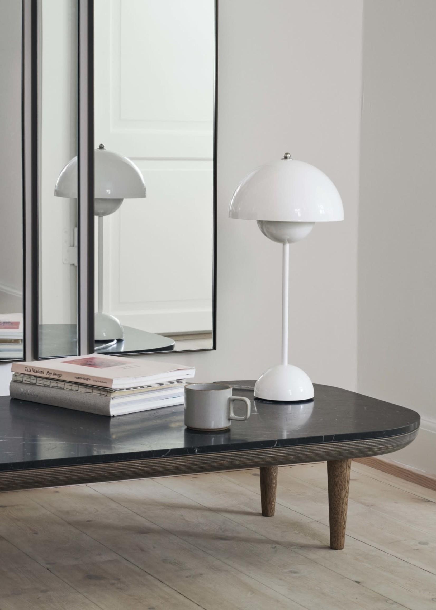 & Tradition Verner Panton Flower Pot Table Lamp in White