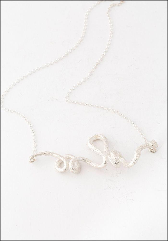 Tego Tego Short Silver Serpent Necklace