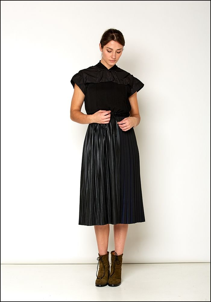 Love Binetti Love Binetti Black and Navy Pleat Dress