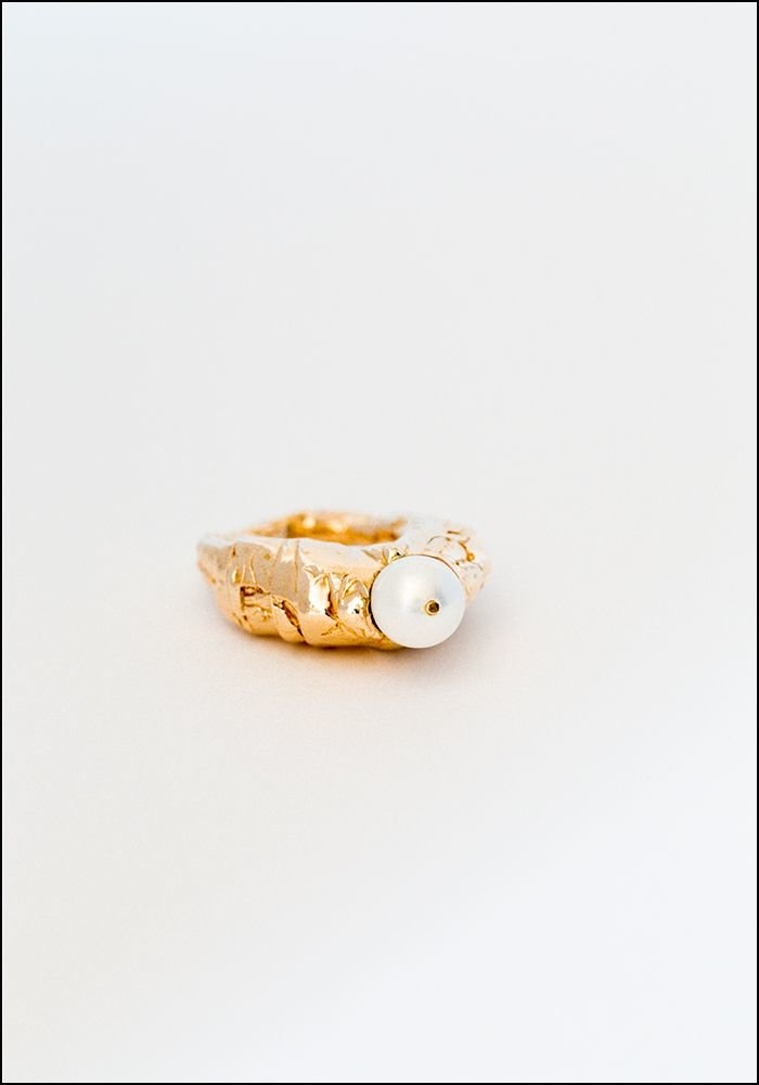 Miriam Nori Pearly Peak Ring