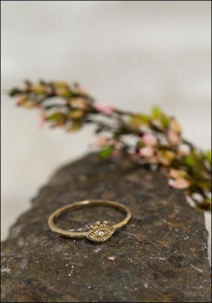 Lio and Linn Lio and Linn 14KT Tiny Diamond Eye Ring