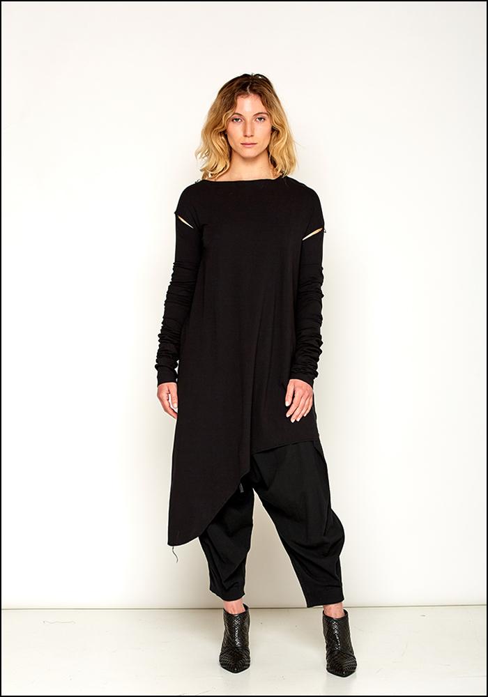 NostraSantissima NostraSantissima Black Cotton Asymmetric Elongated Sleeve T-Shirt