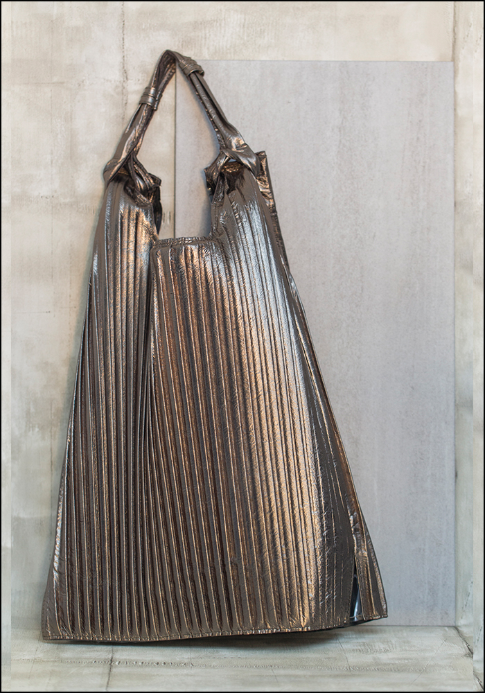 Anita Bilardi Anita Bilardi Champagne Plisse Picasso Bag