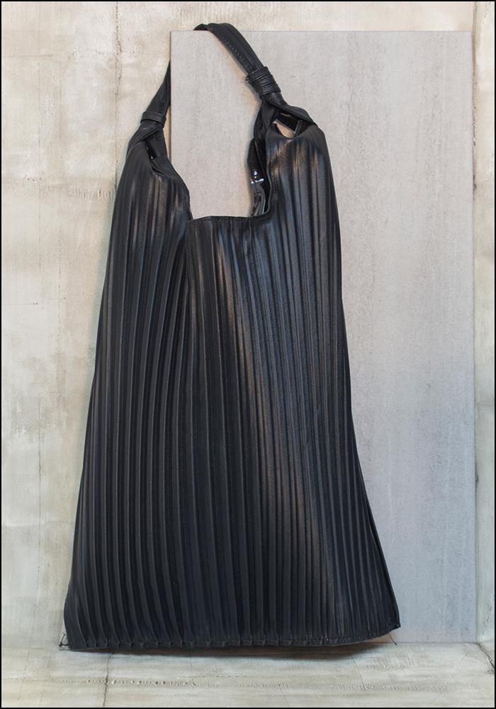 Anita Bilardi Anita Bilardi Black Leather Pleated Picasso Bag
