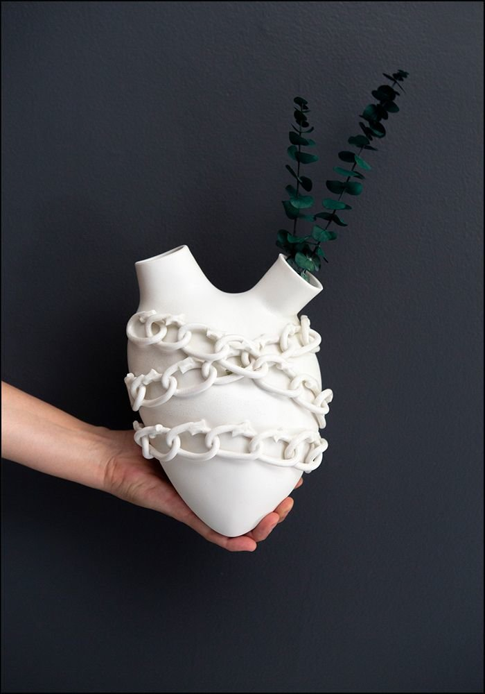 FOS Ceramiche Porcelain Chained Heart Wall Vase