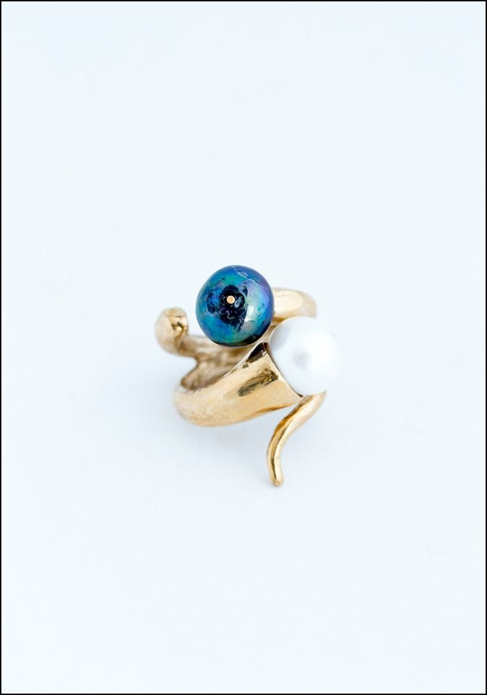 Miriam Nori Pearl Twist Ring