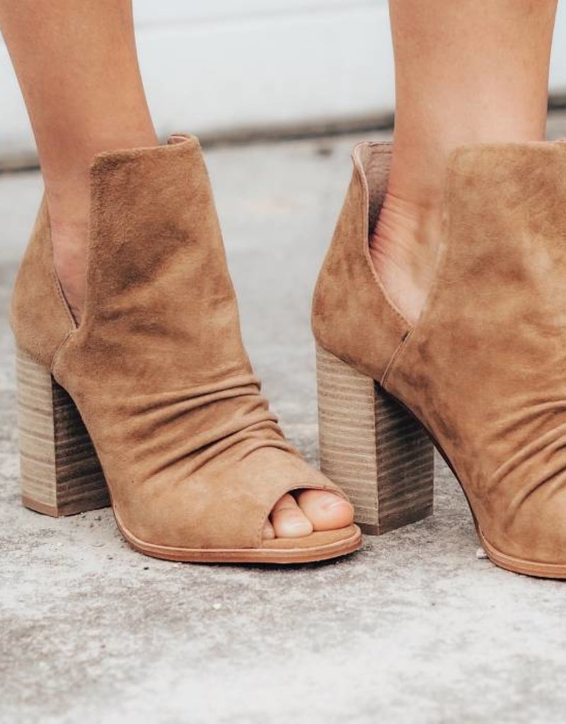 CHINESE LAUNDRY Leena Kid Suede Bootie