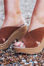 CHINESE LAUNDRY Quay Split Suede Sandal