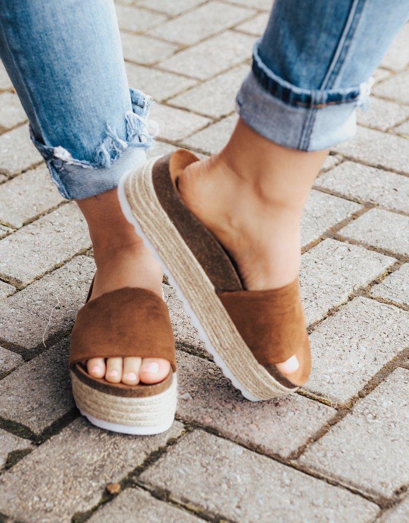 CHINESE LAUNDRY Pippa Platform Sandal