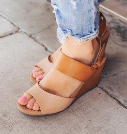 CHINESE LAUNDRY Toya Burnished Wedge Sandal