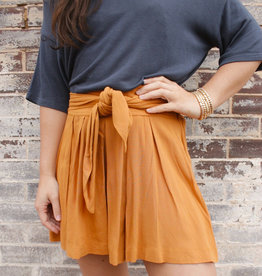 LUXE SHE'S STEALING HEARTS MUSTARD SHORTS